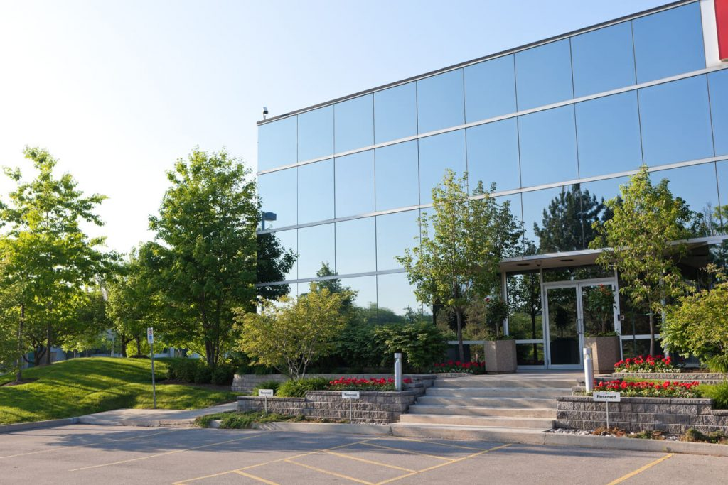 Commercial landscape design ideas for your business in Ontario